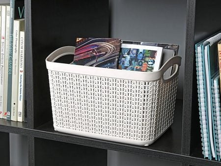 M-083 PLASTIC BASKET WITH KNIT DESIGN (26 X 20 X 17 CM) - 6,6 LT